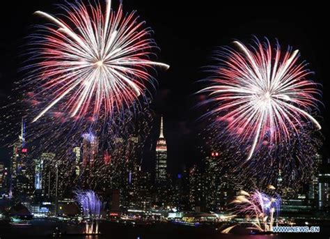 new year fireworks on the hudson fireworks light up sky in nyc to celebrate lunar
