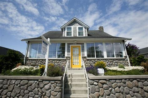 Seaside Beach Cottages Become Affordable Dream Houses In Seaside Oregon