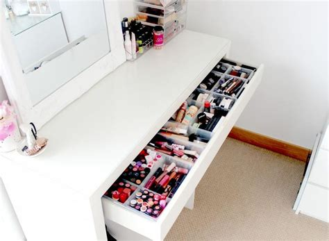 Makeup Tables With Drawers by 1000 Ideas About Makeup Storage On