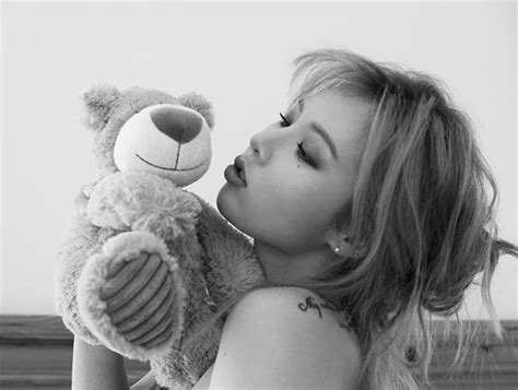 hyuna reveals sexy behind the scenes stills of album photo hyuna reveals undisclosed teaser photos for a daily k