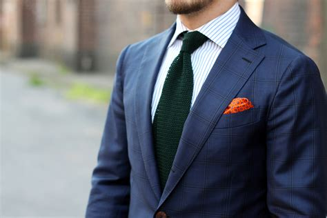 knit tie with suit blue suit with green knitted tie dress like a