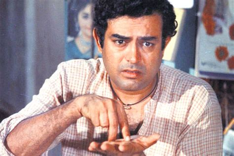 bollywood actor died in november 2017 sanjeev kumar s death anniversary a look at some unseen
