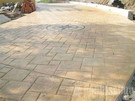 piastrelle in cemento per esterni prezzi piastrelle per esterni pavimenti per esterni