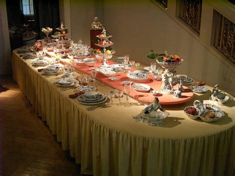 file set dinner table jpg wikimedia commons file meissen porcelain table jpg wikimedia commons