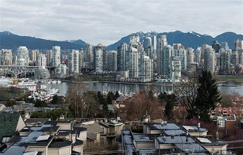 vancouver housing canadian home sales down 2 8 says real estate association