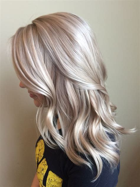 silver blonde haircolor silver hair dye on blonde hair nail art styling