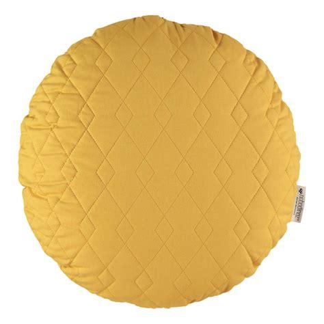 cuscino rotondo cuscino rotondo sitges 45cm giallo senape nobodinoz design