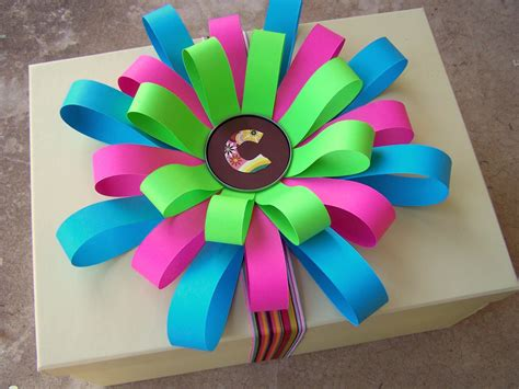 How To Make Paper Flowers Out Of Construction Paper - and wisor how to make a loopy paper flower bow