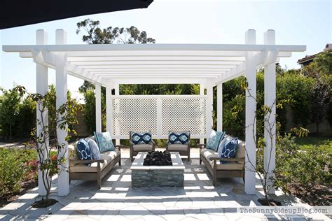 outdoor pergola and pit the side up