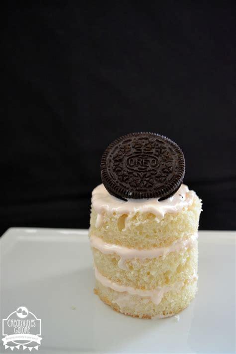 Mini 3 Layer batty mini layer cake with fanta frosting