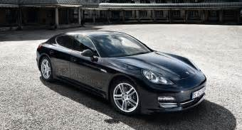Porsche Panorama 4 Two New Porsche Panamera Models Hit The Showrooms Motorlogy