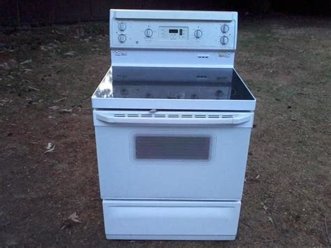 What Is A Ceramic Stove Top by Quot Ge Quot Ceramic Top Stove Drop Possible South Nanaimo