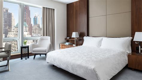 luxury 1 bedroom deluxe hotel room nyc langham place