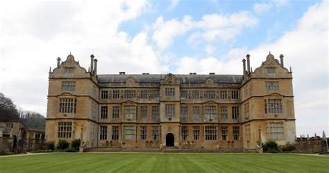 montacute house file montacute house 8601965637 jpg wikimedia commons