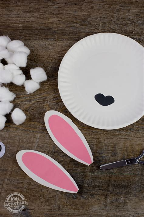 Paper Plate Sheep Craft - easy paper plate craft