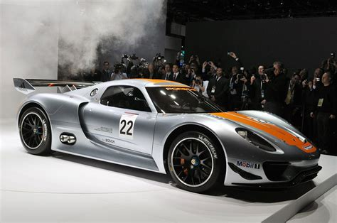 porsche car 918 porsche 918 rsr revealed at detroit auto show extravaganzi