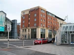 jurys inn dublin custom house jurys inn hotel custom house quay 169 eric jones cc by sa 2