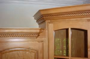 how to stagger existing cabinets crown molding on cabinets carpentry diy chatroom home