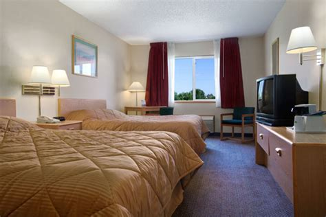 howard room and board howard johnson oacoma south dakota standard room