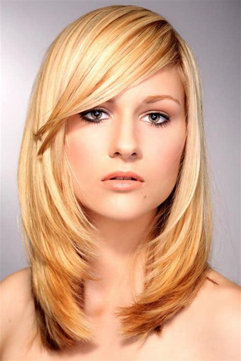 frisuren rundes gesicht lange haare