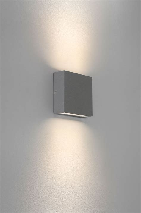 Up And Lighting Wall Sconce Led Up And Wall Lights 10 Reasons To Buy Warisan