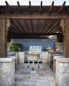 Outdoor Kitchen Pergola Ideas by Outdoor Kitchen Designs Featuring Pizza Ovens Fireplaces