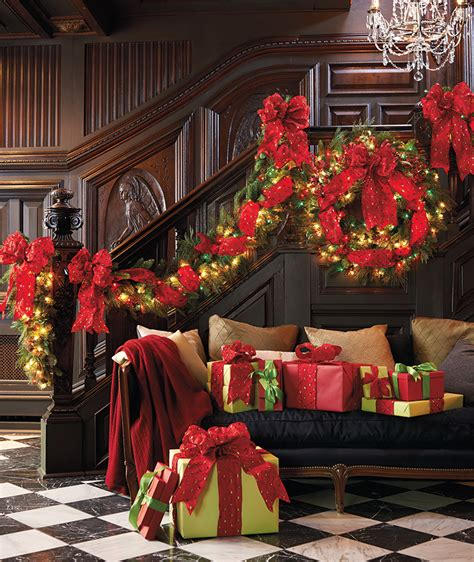 Charming Cordless Christmas Wreaths With Lights #8: Majestic-Garland.jpg