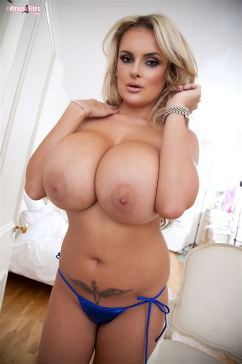 Katie Thornton Nude Boobs Photos