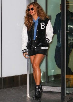 beyonce leggy in leather skirt 08 gotceleb