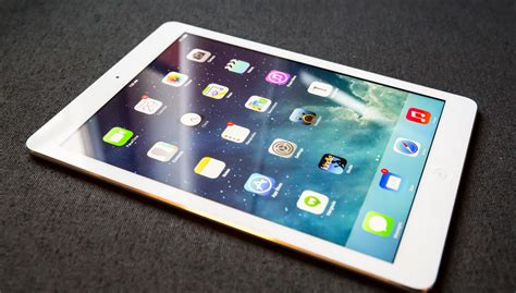 Tablet Apple 1 air review apple makes big tablets beautiful all again techcrunch