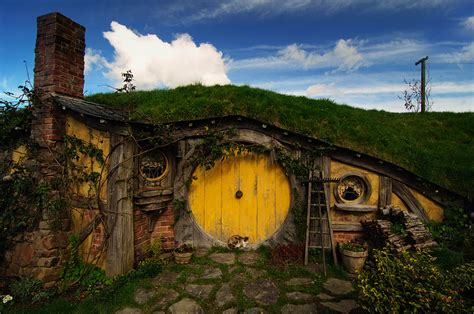 hobbit house new zealand hobbithouses