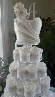 Standing Chandelier Centerpieces A Beautiful Wedding Amp Cakes Designed For You Home