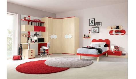 cameretta con armadio ad angolo scrivania ad angolo per camerette design casa creativa e