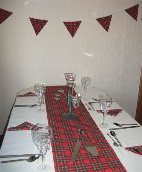 themed party nights scotland royal stewart tartan party pack showing table runner