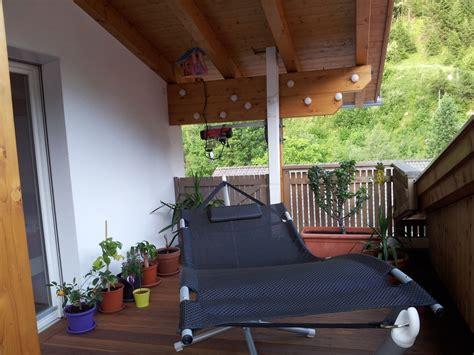 terrasse katzensicher machen dachterrasse katzensicher machen begrenzter freilauf
