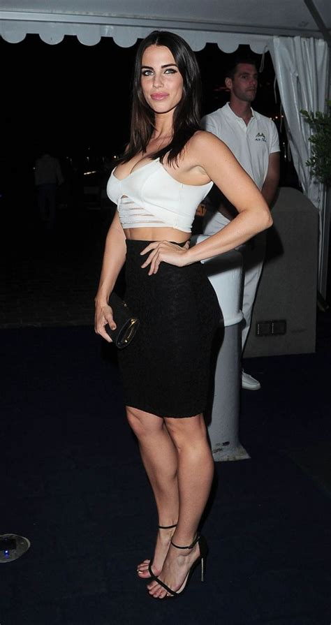 Zhoey Black High lowndes at yacht in cannes in a pencil skirt