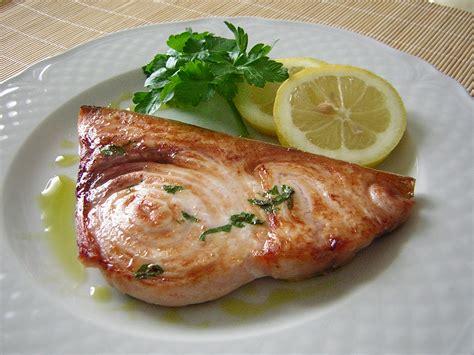 come si cucina il pesce spada a fette pesce spada al grill in cucina con zia lora