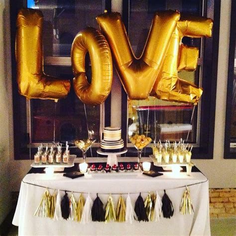 Black And Gold Table Decorations by 1000 Ideas About Black Gold On Gold
