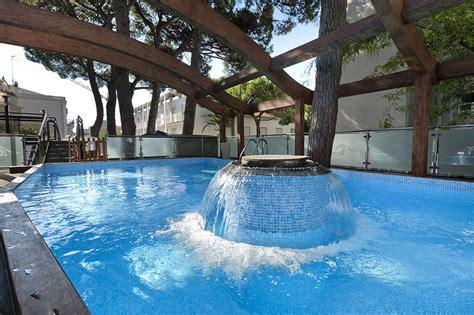 hotel riccione con piscina interna hotel riccione 4 stelle con piscina in viale ceccarini