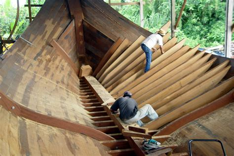 boat making file traditional malay boat building jpg wikimedia commons