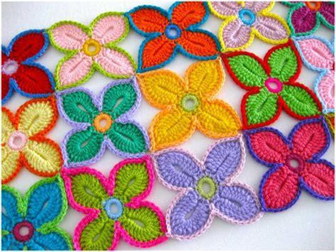 crochet pattern hawaiian flowers hawaiian flowers free crochet pattern diy