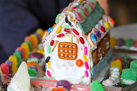 easy gingerbread house ten things to do with your child in winter penfield children s center