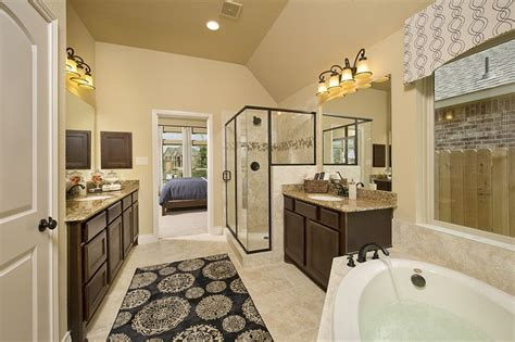 ventana lakes model home  sq ft master