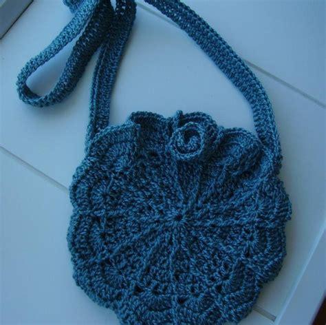 pin by chris tompkins on crochet purses bags totes pinterest cutest shell shoulder bag crochet bags pinterest