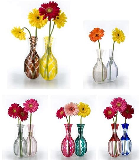 another source for expandable flower vases at a los