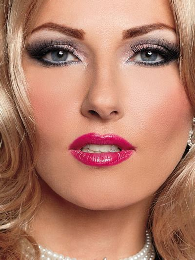 Cross Dresser Makeup by Helpful Tips For Lip And Eye Makeup For Crossdressers 3d