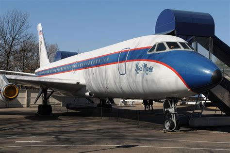 elvis presley plane elvis plane tour the guest house at graceland