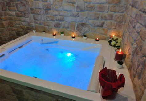 spa con vasca idromassaggio in hotel miramonti sulla neve gambarie hotel in calabria