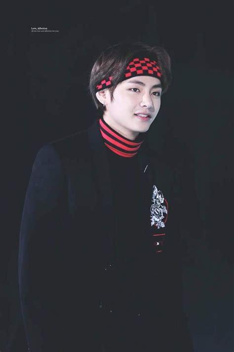 kim taehyung bandana aiamkhaye quot kim taehyung in bandana why so handsom