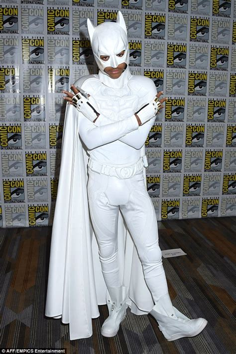 batman white jaden smith reveals why he wore a white batman suit to